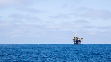Ocean oil rig near Channel Islands off Ventura coast, Southern California; Copy space Zdjęcie Seryjne - 102828426