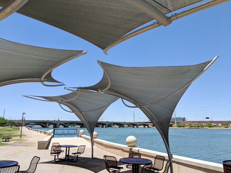 Awnings shielding recreation area from merciless hot sun at Salt River lakeside in Tempe, Arizona Zdjęcie Seryjne