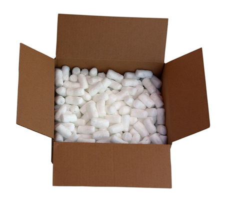Cardboard shipping box filled with packing styrofoam peanuts, isolated on white Zdjęcie Seryjne