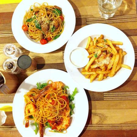 chuparse los dedos: Deliciosa comida en Kith Cafe ir italiano
