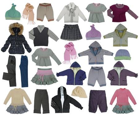 Sammlung von Kinderkleidung