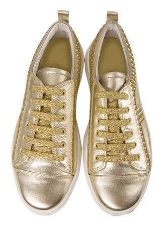 women s feet: fashion gumshoes