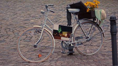 luft: Verlassenes Fahrrad, Abandoned bicycle                                Stock Photo