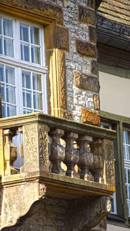 Balkon eines alten Hauses Lizenzfreie Bilder