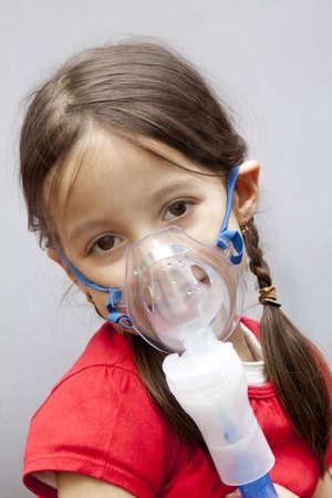 zuurstof: met een behandeling met vernevelaar Stockfoto