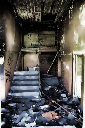 destroyed: urned Haus  Lizenzfreie Bilder