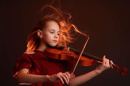 m�sico: joven violinista