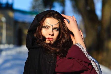 abito medievale: ragazza in abito medievale