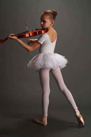 ballet slipper: Girl with violin