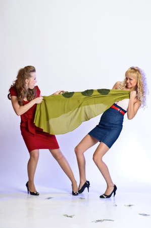 resentful: girls who fight because of the dress
