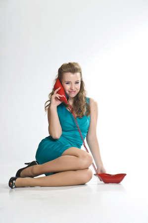 llamando: La chica habla por tel�fono