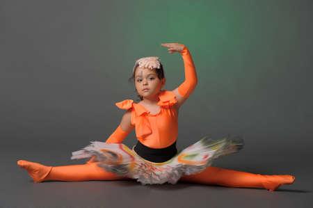 7 year old girl: Studio photo girl gymnast