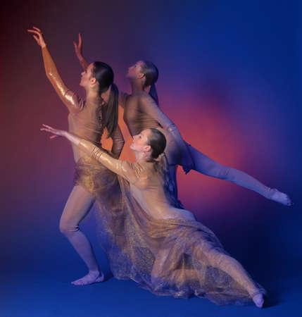 danse contemporaine: trois danseurs