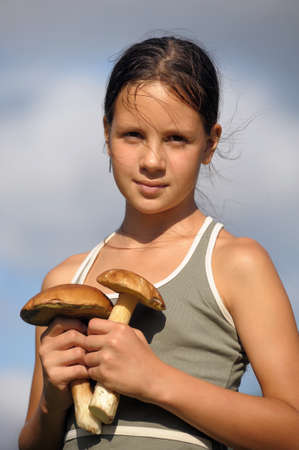 fungaceous: The girl with ceps in hands