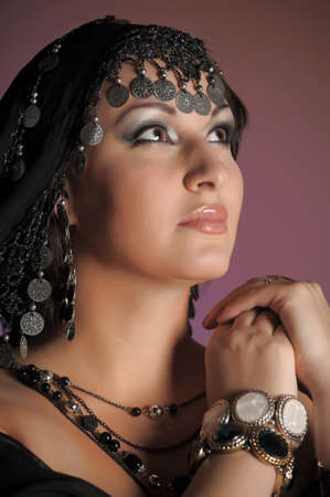 middle eastern clothing: Donna est un ritratto Archivio Fotografico