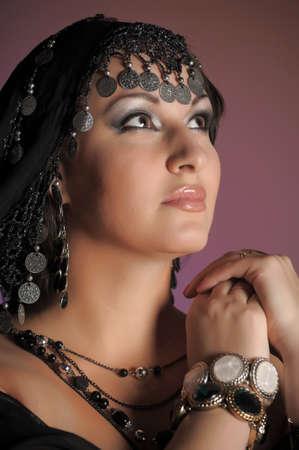 bailarinas arabes: Mujer al este un retrato Foto de archivo