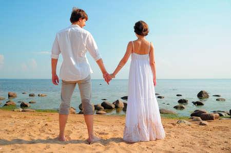 verlobt: Natürliche Paar am Strand