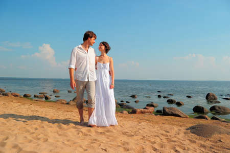 couple in love going to the beach Stock Photo - 11420770