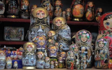 matroshka: Russian nesting dolls