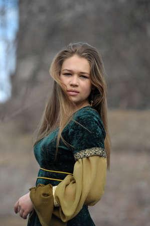 niña en un vestido medieval Foto de archivo