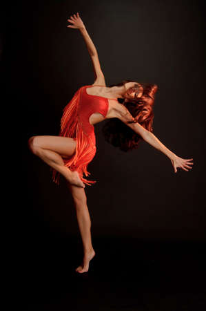 gimnasta en rojo photo