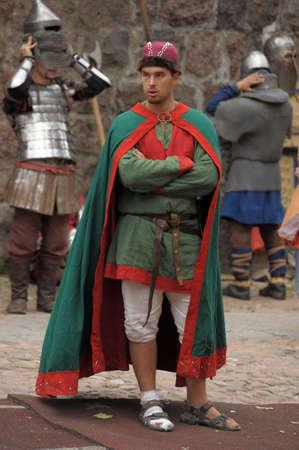 """vestidos de epoca: Castillo de Vyborg, el Festival Internacional de los conocedores y amantes de la Historia Militar de la Edad Media, """"Knight"""