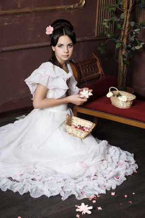 vintage mansion: Young victorian lady