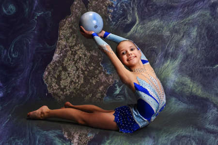Young gymnast Stock Photo - 13147059