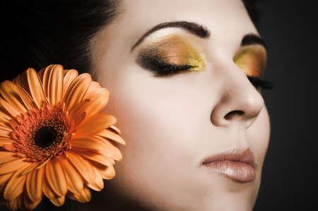 ojos cerrados: Flor de la Mujer Foto de archivo
