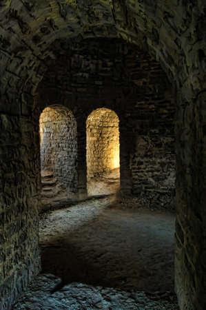 castillo medieval: fortaleza en el interior