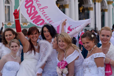 Action «Run-away brides of Cosmopolitan» — a flashmob of long-distance scale which was spent the seventh year.  Russia, St. Petersburg Stock Photo - 13337906