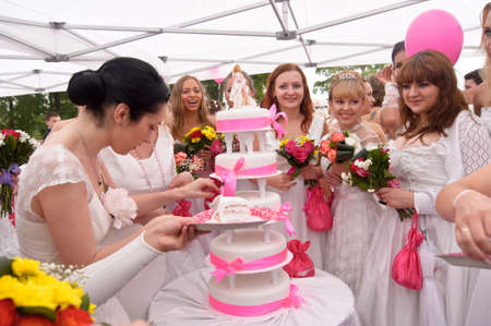 Action «Run-away brides of Cosmopolitan» — a flashmob of long-distance scale which was spent the seventh year   Russia, St  Petersburg