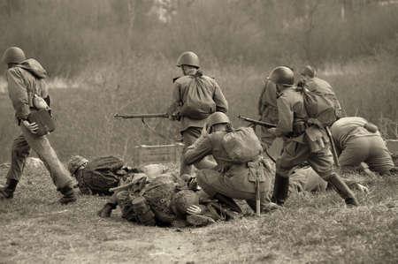 """Le scénario de la reconstruction militaire et historique """"Dernier combat"""" est consacrée à des batailles sur les 12 au 13 mai 1945 avec les pièces allemandes qui se brisent par le biais de Prague en direction de forces alliées."""