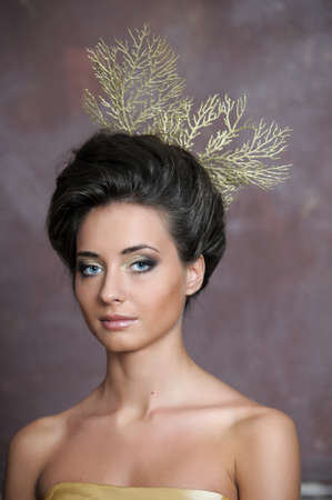 Luxuus glamorous models in gold  Stock Photo - 13907487