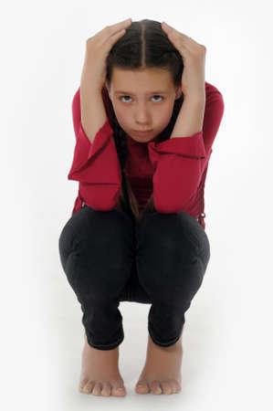 adolescente pensando: el adolescente ni�a en la depresi�n