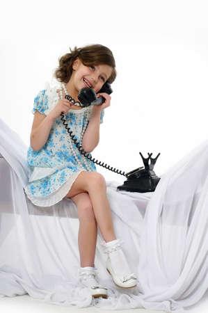 girl socks: 少女が彼女のドレスでポーズ