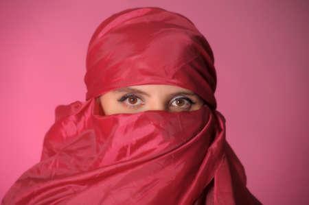 middle eastern clothing: Make-up per gli occhi in modo tradizionale, Medio Oriente