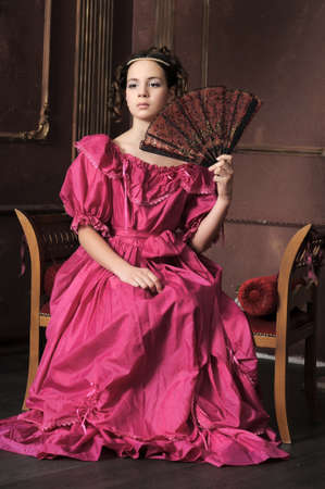 queen's theatre: Young victorian lady