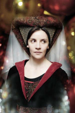 middeleeuwse jurk: Middeleeuwse stijl portret van een mooie vrouw Stockfoto
