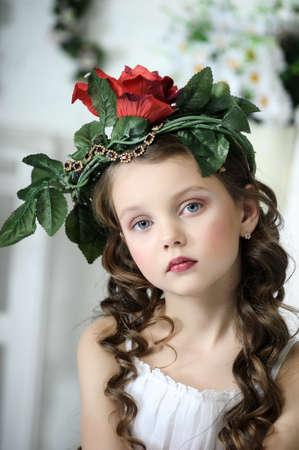 cartoline vittoriane: Ritratto di bambina con i fiori