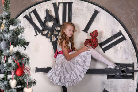 girl waiting for Christmas photo
