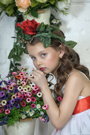girlgypsy: Vintage Girl with Flowers