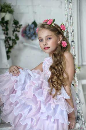 Vintage Девушка с цветами