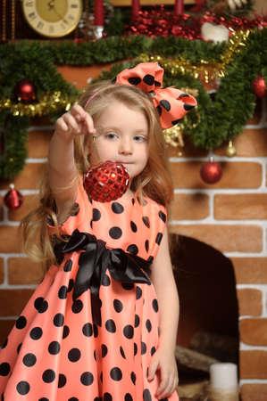 Vintage fille et arbre de Noël Banque d'images - 19559044