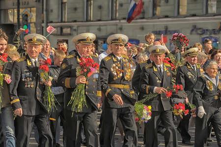 米国海兵隊の詳細制服をパレード...