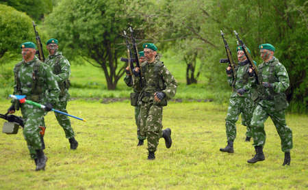 berets: Russian soldiers on the demonstration exercises