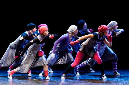 dansvoorstelling moderne kinderen Redactioneel