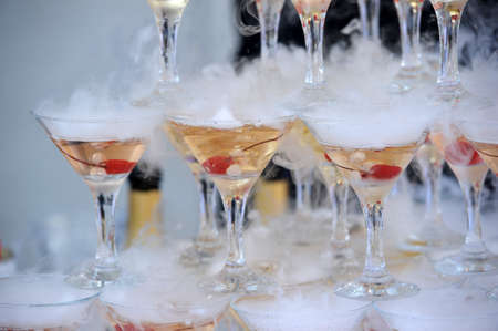 receptions: Champagne glasses in a pyramid
