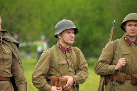 reenactor: Hombre re-enactor de la Segunda Guerra Mundial