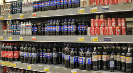 shoppingcarts: Pepsi and Coca Cola in a supermarket